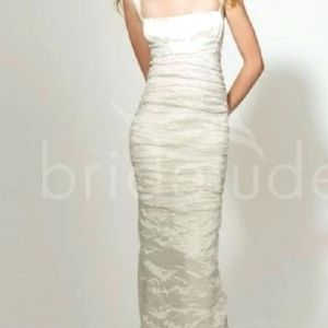 NICOLE MILLER WEDDING GOWN SIZE 6